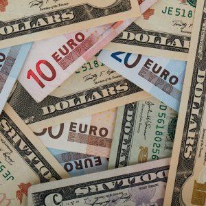 change euros dollars